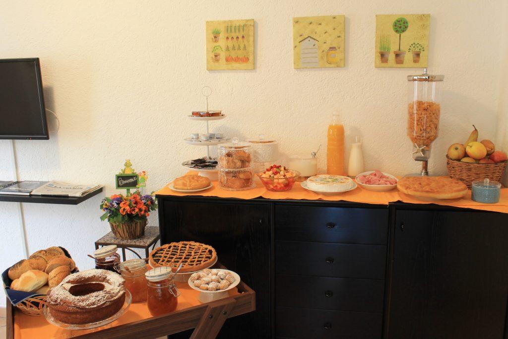 Hotel Villa Ave a Finale Ligure | Albergo a due passi dal mare in Liguria | Pernottamento con colazione a buffet | Camera con colazione a buffet | Bike Hotel Finale Ligure Outdoor | Sport Hotel Ligurien