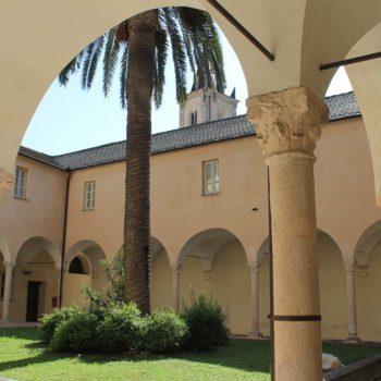 Hotel Villa Ave a Finale Ligure | Albergo a due passi dal mare in Liguria | Pernottamento con colazione a buffet e servizio ristorante | Visit Finale Ligure