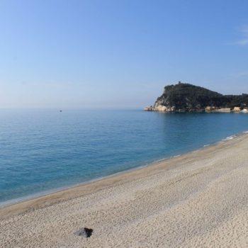 Hotel Villa Ave a Finale Ligure | Albergo a due passi dal mare in Liguria | Pernottamento con colazione a buffet e servizio ristorante | Spiagge e Stabilimenti Balneari a Finale Ligure