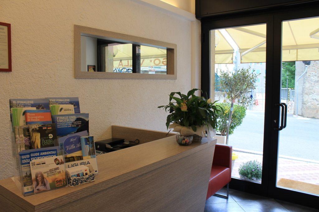 Hotel Villa Ave a Finale Ligure | Albergo vicino al mare in Liguria | Pernottamento con colazione a buffet e servizio ristorante | Finale Ligure Booking | Chambre avec pension complete Ligurie