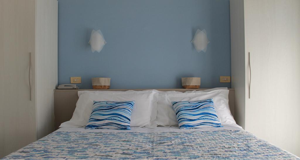 Hotel Villa Ave a Finale Ligure | Albergo vicino al mare in Liguria | Pernottamento con colazione a buffet e servizio ristorante | Albergo Finale Ligure